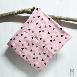 Cuello Pink Triangles